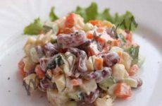 Постный салат с консервированной фасолью